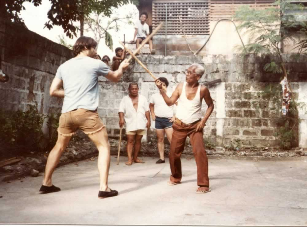 Tom Bisio learning Balle-Balle Redondo in 1984